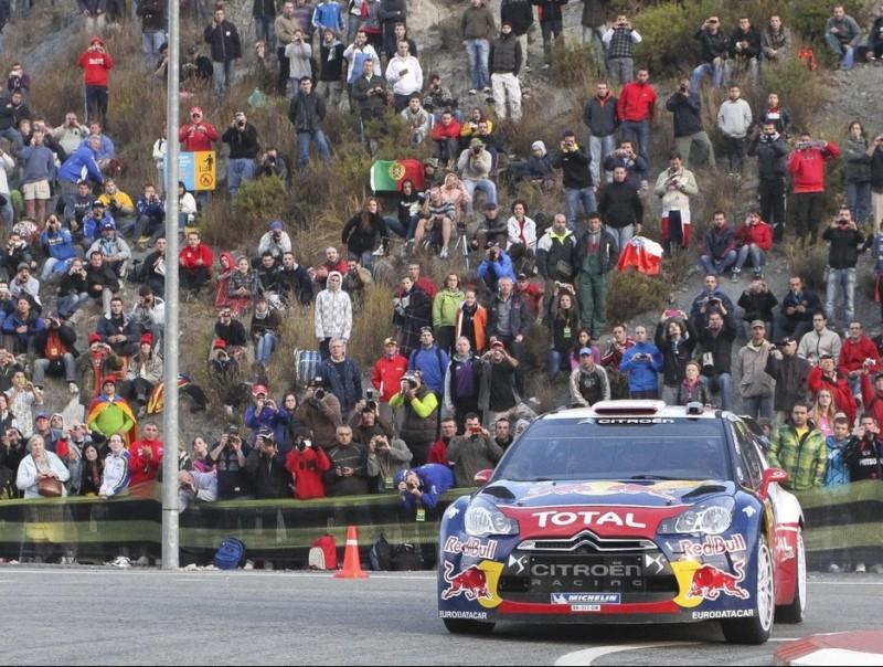 Sébastien Loeb ataca en un dels últims trams de l'etapa d'ahir. Foto:DIMAS BALAGUER