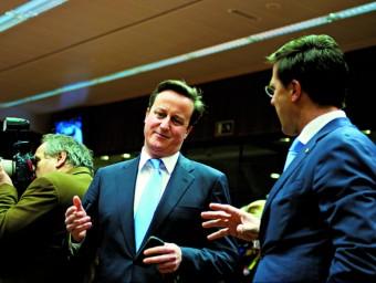 David Cameron i Mark Rutte conversen durant la cimera europea  Foto:Consell Europeu