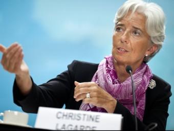 El FMI (a la foto la seva directora gerent Cristine Lagarde) ha revisat a la baixa les previsions econòmiques per a l'economia espanyola Foto:ARXIU