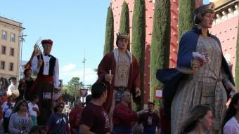 La cercavila de gegants als carrers de Figueres. Foto:Joan Sabater