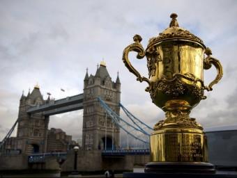 La preuada copa Web Ellis, que reposarà a Londres fins a la celebració de la copa del món. Foto:EL 9