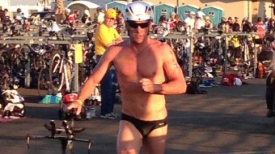 Armstrong en el triatló Superfrog, la seva última victòria del 2012 Foto:EL 9