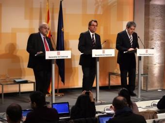El Mobile World Congress 2013 preveu una afluència de més de 70.000 visitants.La sagnia de l'atur no cessa. Exemples en són Gallostra de Pineda de Mar i Noge d'Arbúcies.El president Mas, juntament amb els consellers Homs i Mas-Collell, donant detalls del dèficit català.