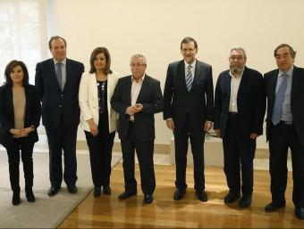 El govern s'ha envoltat de patronals i sindicats en la presentació del pla.  Foto:L'ECONÒMIC