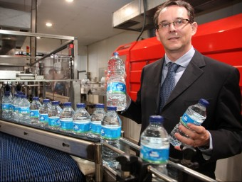 El president del Grup Font Agudes, Jordi Deulofeu, a la planta embotelladora d'Arbúcies.  Foto:JOAN SABATER
