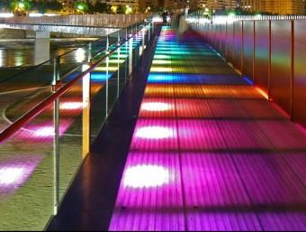 Passarel·la sobre el riu Segre construïda per Sorigué a Lleida. Tot i l'aposta per nous sectors, la construcció i l'obra civil continuen sent el motor principal de l'activitat del grup lleidatà.  Foto:FOTO: GRUP SORIGUÉ