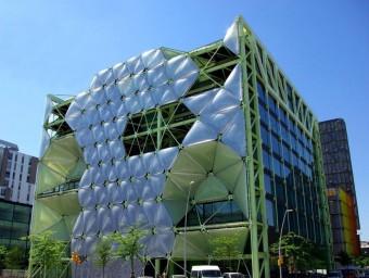 L'edifici Media-TIC, al districte 22@ de Barcelona, acollirà la futura zona franca d'emprenedors.  Foto:ARXIU