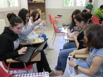 Un dels grups d'estudiants que han engegat un negoci.  Foto:GORAL