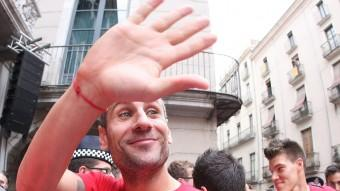 Jose Martínez (a la foto, en l'acte d'homenatge que l'afició va fer al Girona) ha tancat un cicle a Montilivi Foto:LLUÍS SERRAT