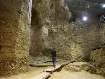 A l'Abric Romaní s'han excavat 14 nivells i s'ha arribat als 60.000 anys d'antiguitat Foto:J.C. León