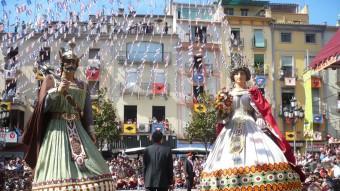 El ball dels gegants més que centenaris és un dels moments culminants de les Festes del Tura d'Olot. Foto:J.C