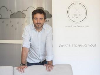 Fernando de la Rosa, cofundador de Foxize School, a la seu de l'empresa a Barcelona.  Foto:JOSEP LOSADA