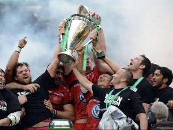 Els jugadors del Toló celebrant el triomf en la copa d'Europa de la temporada passada Foto:AFP