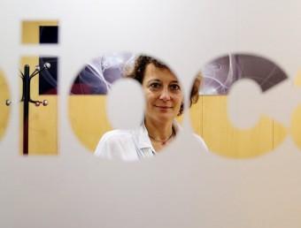 La directora general de Biocat, Montserrat Vendrell, a l'interior d'un dels despatxos de l'entitat.  Foto:ANDREU PUIG