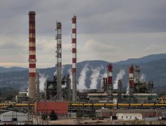 Els directius de les químiques es queixen de l'elevat cost energètic.  Foto:ARXIU