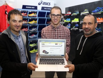 Josep Gras, CEO de Leksport; Josep Alberti, director de màrqueting, i Jordi Casas, responsable de compres.  Foto:JUANMA RAMOS