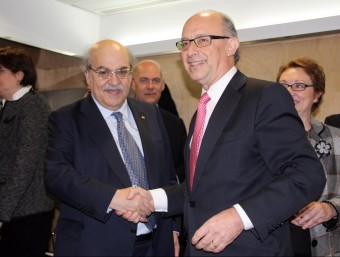 La possibilitat de suprimir impostos autonòmics ha obert l'enèsima guerra entre govern central i Generalitat Foto:ARXIU