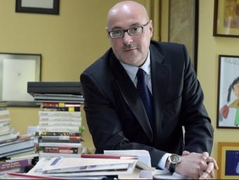 Daniel Fernández, president del gremi, a la seu barcelonina de l'editorial que dirigeix, Edhasa.  Foto:JUDIT TORRES