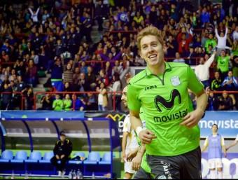 Bateria celebra un dels tres gols que li va fer al Marfil Santa Coloma en el duel, a Madrid, d'aquesta temporada Foto:INTER MOVISTAR