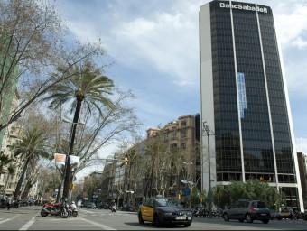 Imatge de la seu de Banc Sabadell a Barcelona.  Foto:JOSEP LOSADA