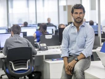 Carlos Galí, un dels socis d'Onebox, a les oficines de la 'start-up' a Barcelona.  Foto:ALBERT SALAMÉ