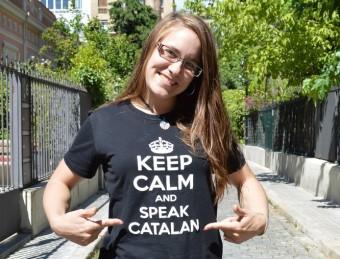 Mélodie Pulgarin llueix un lema a la seva samarreta que anima a parlar català Foto:PLATAFORMA PRO SELECCIONS