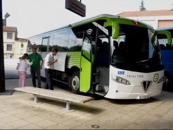 Vehicle de la xarxa de bus exprés.cat, que a partir del dia 14 s'amplia amb una nova línia entre Tarragona i Reus Foto:ARXIU