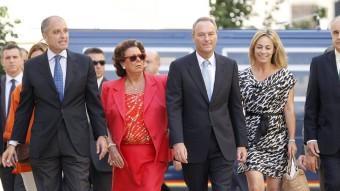 L'expresident Alberto Fabra arribant a les Corts, flanque-jat per l'exalcal-dessa de València Rita Barberá, l'exalcaldessa d'AlacantSonia Castedo, l'exconseller Rafael Blasco i l'expresident Francisco Camps.  Foto:JOSÉ CUÉLLAR