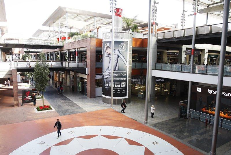 22 des 2015 l 39 ajuntament de barcelona rebutja el - La maquinista centre comercial ...
