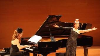 Patricia Petibon va actuar ahir a la nit a la sala de cambra de l'Auditori de Girona Foto:JOAN SABATER