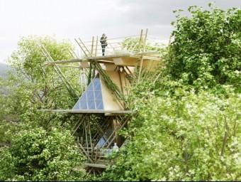 Hotel ideat pel col·lectiu de dissenyadors Penda i basat en mòduls fets de bambú que s'integren en els arbres.  Foto:ARXIU