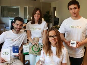 Virginie Rogé (en primer pla), amb la resta de l'equip de Dietox.  Foto:ANDREU PUIG