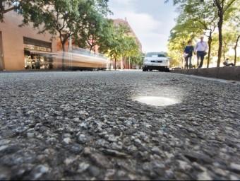 L'empresa catalana Urbiòtica ven sensors per gestionar els aparcaments en superfície.  Foto:ARXIU