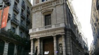 A l'edificí Borsí, al carrer Avinyó de Barcelona, es va instal·lar una de les primeres borses catalanes Foto:J.L. / ARXIU