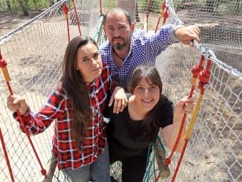 Naiara (esquerra), Juan Carlos i Maria José.  Foto:JUANMA RAMOS