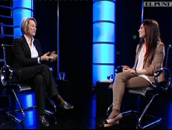 Elaine Blaus during the interview on El Punt Avui Televisió.