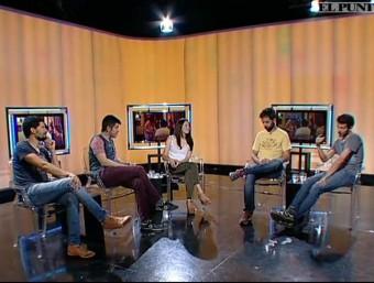 Els Amics de les Arts during the interview on El Punt Avui Televisió.