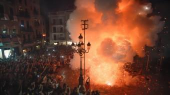La Tronada va ensordir de nou la plaça del Mercadal de Reus Foto:FABIÁN ACIDRES