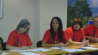 Representants de Trens Dignes durant la reunió d'ahir a la seu de l'Idece Foto:L.M