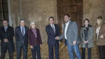 Mas i Junqueras amb representants de les associacions al Palau de la Generalitat Foto:ARXIU