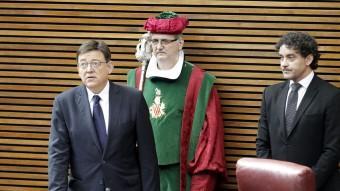 Francesc Colomer presideix la pressa de possessió de Ximo Puig. Foto:EL PUNT AVUI