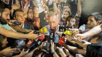 Laporta i Cruyff ahir a la seu electoral Foto:ALBERT SALAMÉ