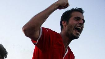 Els jugadors de la Pobla celebren l'ascens, diumenge passat després d'imposar-se al Gerena en la tanda de penals Foto:ÁLEX GALLARDO