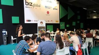 Tallers de treball en xarxa, conferències, entrevistes personals o recerca de perfils i empreses en el mur, son algunes de les activitats que ofereix Bizbarcelona Foto:JOAN MANUEL RAMOS