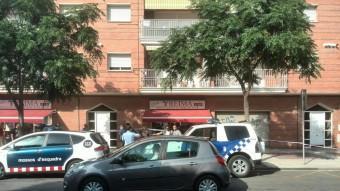 Policia de Malgrat i Mossos d'Esquadra al lloc de l'apunyalament Foto:RADIO PALAFOLLS/MARC FERRI