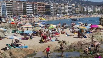 La platja de Lloret de Mar era plena de banyistes, diumenge passat. Foto:ICONNA / JORDI RIBOT