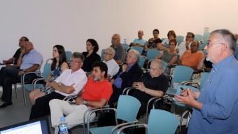 Joan Vall Clara presenta l'informe de gestió a la junta d'accionistes celebrada a la nova seu d'El Punt Avui Foto:MANEL LLADÓ