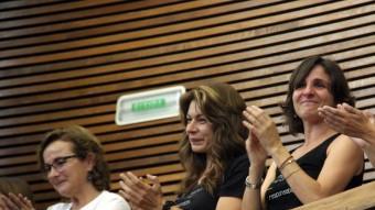 La presidenta de l'Associació de Víctimes de l'Accident del Metro, Beatriz Garrote, emocionada a la tribuna de convidats de les Corts Valencianes Foto:ACN