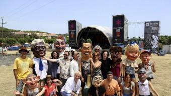 Dharma i Comediants, abans d'un assaig general del seu espectacle, ahir a Canet de Mar Foto:QUIM PUIG