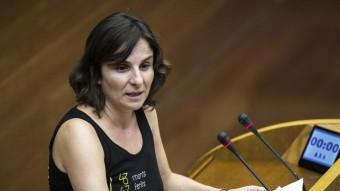 La presidenta de l'AVM3J, Beatriz Garrote, parla a les Corts. Foto:AGÈNCIES